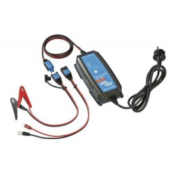 Blue Power acculader 12-15 IP65 met DC connec